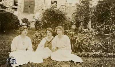 Wilma Carter, Agnes Waring and Merle Carter