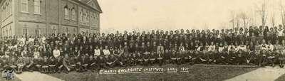 St. Marys Collegiate Institute class picture, 1922
