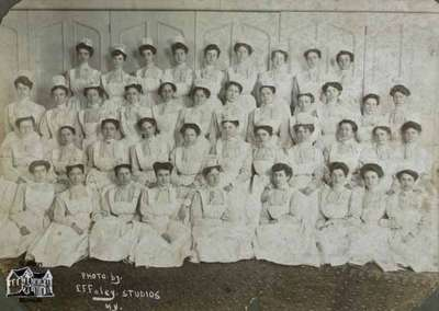 Nurses' class in uniform, 1905  New York City Hospital