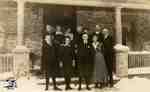 Group in front of Ingersoll house