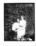 Outdoor portrait of Jennie and Mabel Keith.