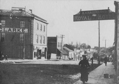 An Elora street scene.