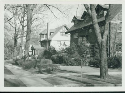 View looking east at Lake Avenue and Tenth St., Wilmette.