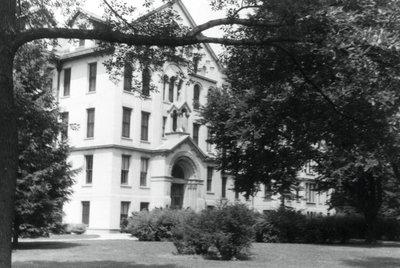 Mallinckrodt High School