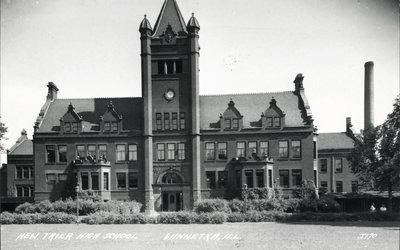 New Trier Township High School-Photo 3