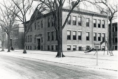 Tenth Street School