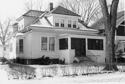 House at 625 Park Ave., Wilmette, was old Village Hall