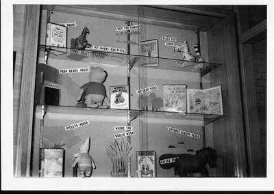 Wilmette Public Library oak display case, 1952 No.20
