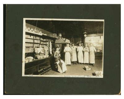 Klinge & White Grocery