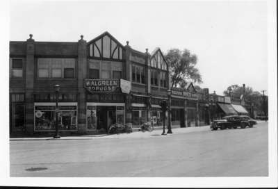 Walgreen Drugs southwest corner of Wilmette and Central Avenues, Wilmette, Illinois, 1948