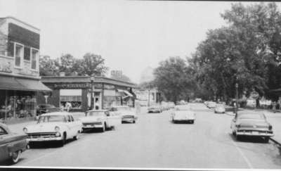 Intersection 4th Street and Linden Avenue about 1960