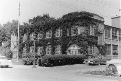 Hollister building