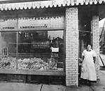 CHAMBERS, MRS. MARGARET, fishmonger, Danforth Ave., s.e. cor. Bowden St.