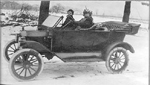 Cousins William (Bill) Flatt Jr. & Maud Poteous in Andrew Porteous' Ford car