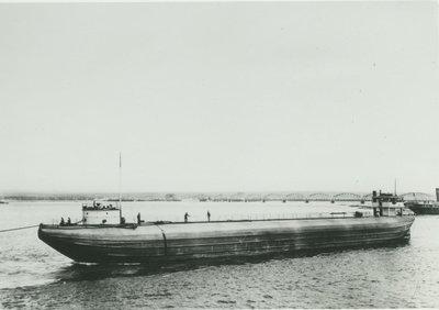 133 (1893, Barge)