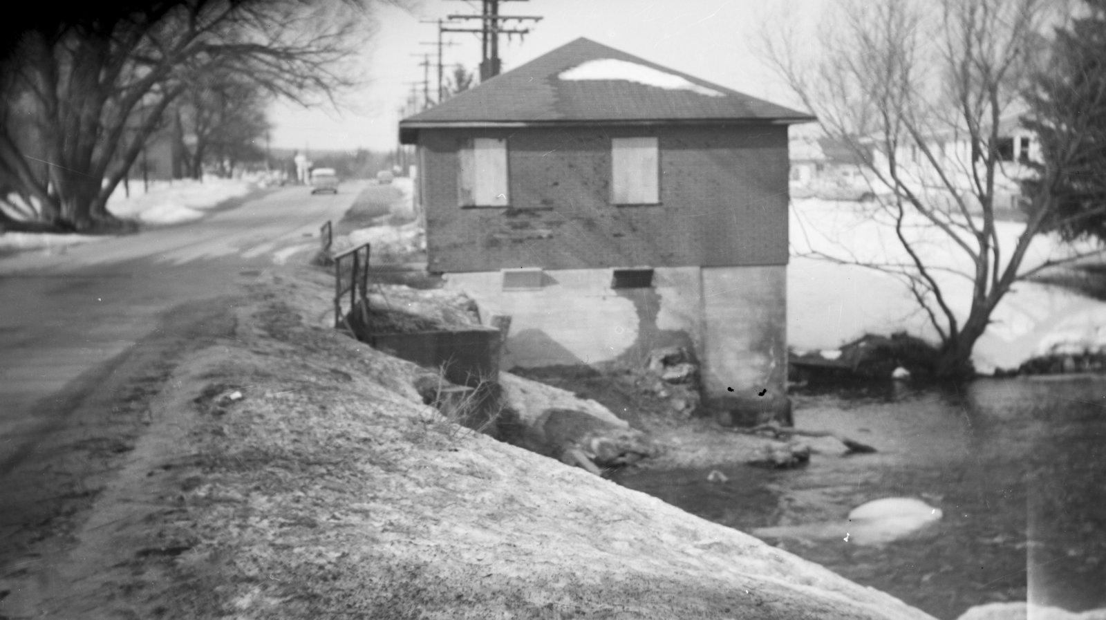 Building on Thunder Bay River