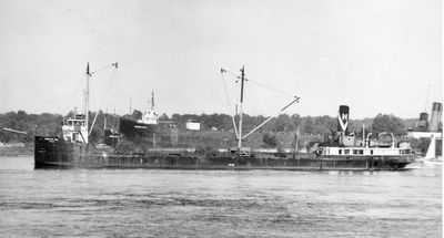 MEADCLIFFE HALL (1929, Bulk Freighter)