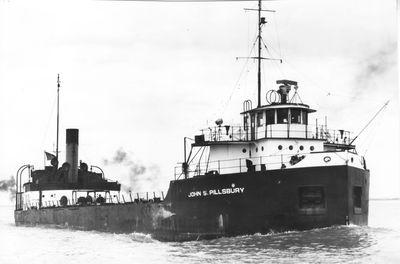 JOHN S. PILLSBURY (1926, Bulk Freighter)