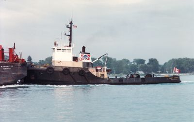 POINTE LEVY (1966, Barge)