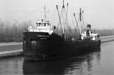STERNECLIFFE HALL (1947, Package Freighter)