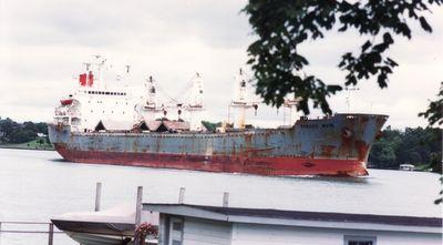 VAMAND WAVE (1985, Ocean Freighter)