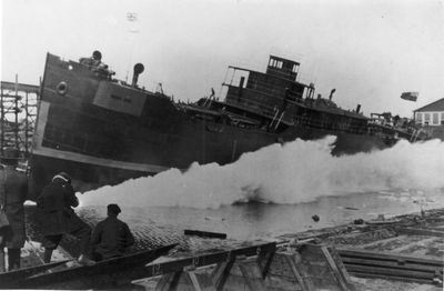 WAR ISIS (1918, Package Freighter)