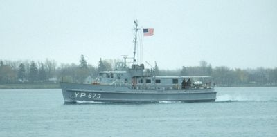 YP-673 (1979, Naval Vessel)