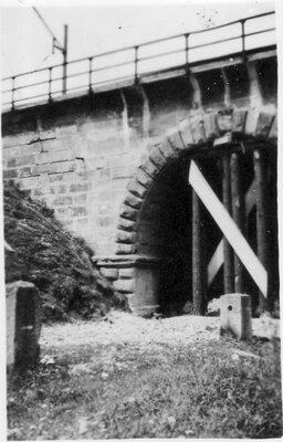 081 Road bridge arch