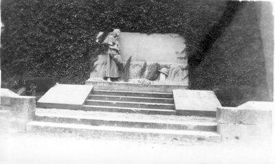 102 Suippes War Memorial