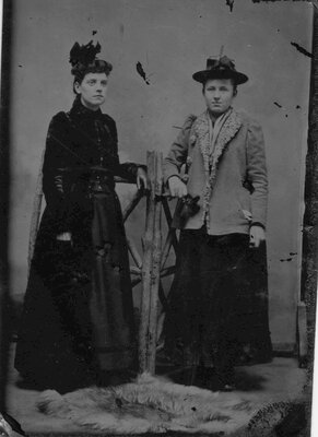 Tintypes of unidentified people