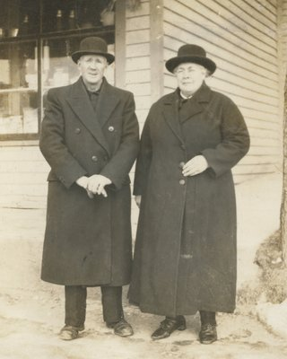 <b><font size = 4>Mr. and Mrs. William Hogg</b></font><BR>