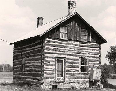 Log cabin, Glenarm