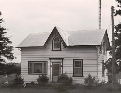 Plate 8, Frame house, Mariposa Township, private dwelling