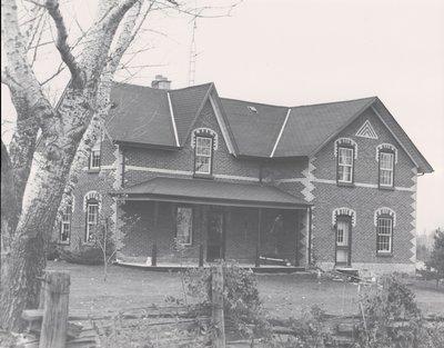 Plate 14, Farm house, Mariposa Township