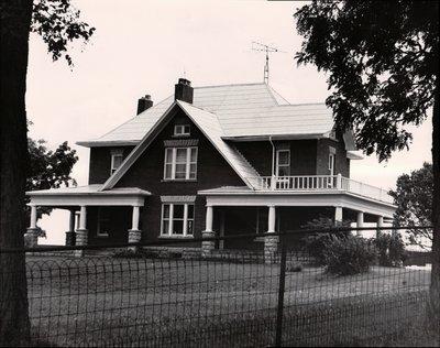 Plate 22, Farm house, Verulam Township, private dwelling