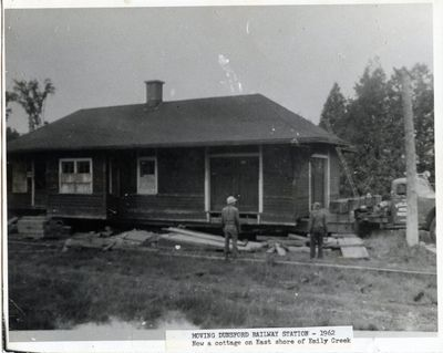 page 25 - Moving Dunsford Railway Station - 1962