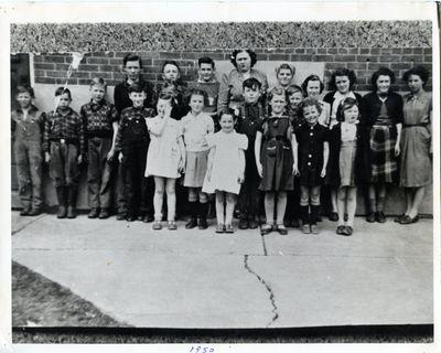 page 72 - Dunsford Public School 1950