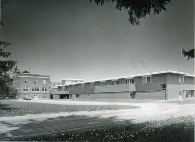 Victoria Manor, Lindsay