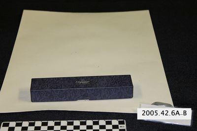 2005.42.6A-B
