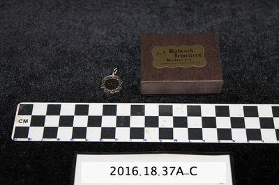 2016.18.37A-C