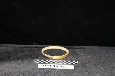 2011.44.32