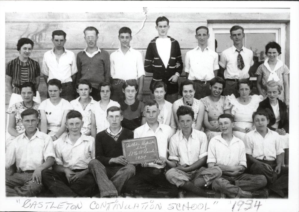 Class photograph, Castleton Continuation School, Cramahe Township, 1934