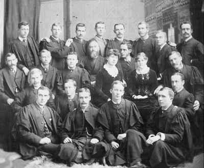 <b>Graduating Class 1886, Victoria University<b>