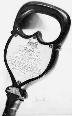 Souvenir spade