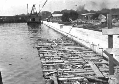 <b>Cobourg Harbour<b>