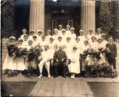 <b>Graduating Class of 1925, 1926, 1927 from Nursing<b>