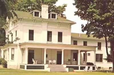 <b>Illahee Lodge<b>