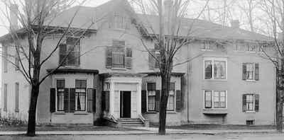 <b>Lakeview House<b>