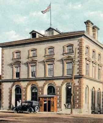 <b>Cobourg Post Office<b>