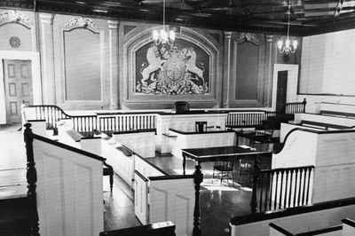 <b>Old Bailey Courtroom, ground floor of Victoria Hall<b>